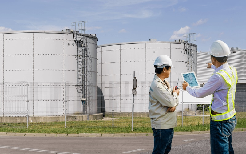 Integrated refinery information system enables real-time decision making